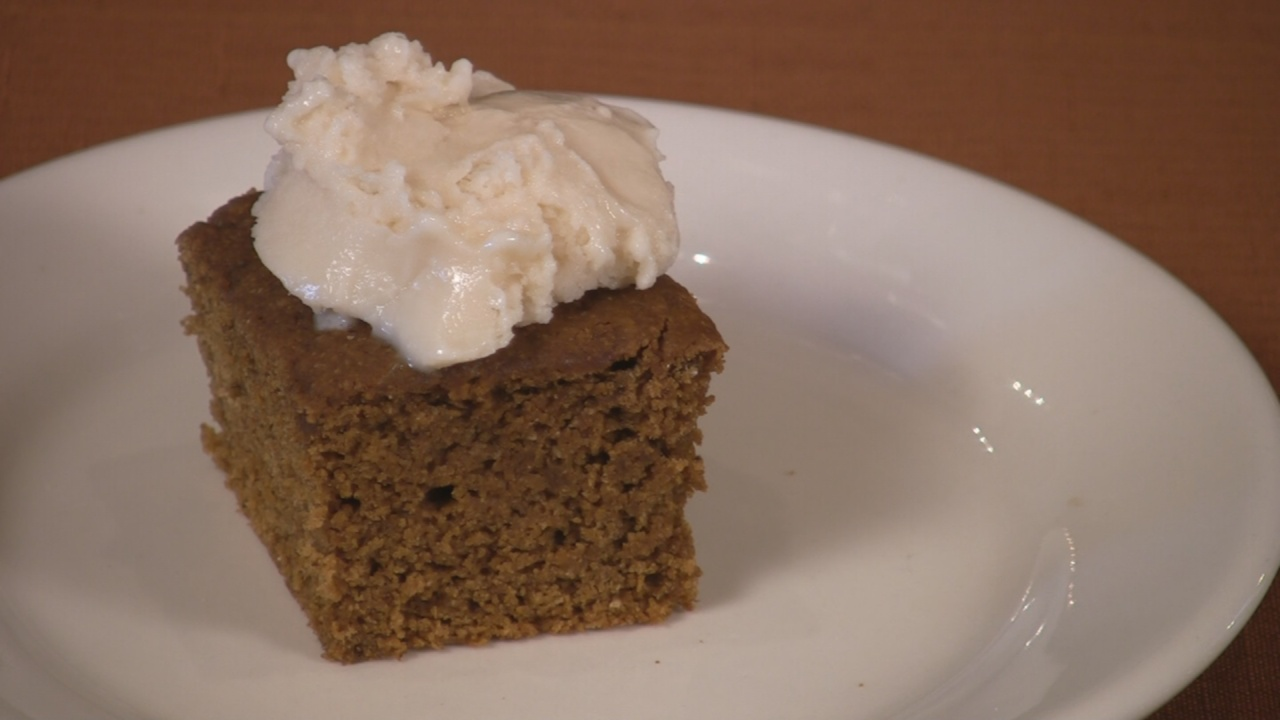 Bake Up Some Warm Apple Gingerbread